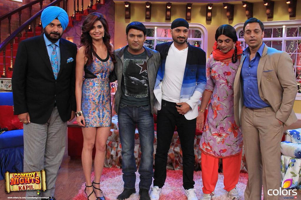 Comedy Nights With Kapil 1st March (2015)