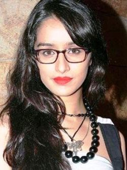 "Shraddha Kapoor and Arjun Kapoor Starer ""Half Female Girlfriend"